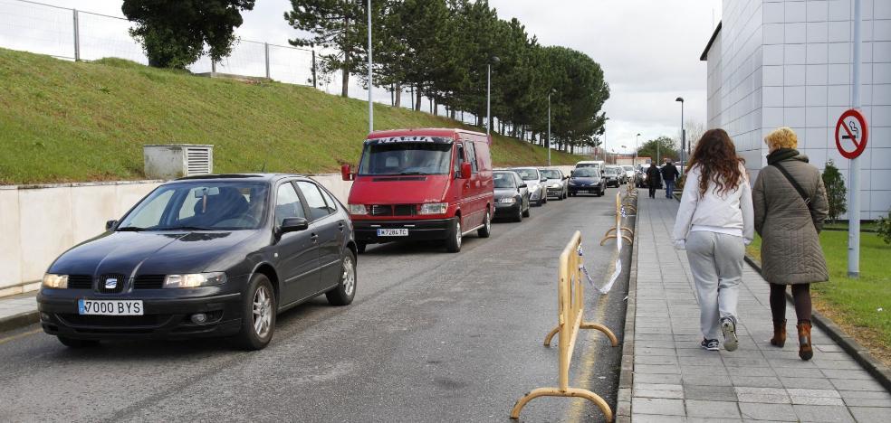 Izquierda Unida de Avilés reclama una solución para el aparcamiento del Hospital San Agustín