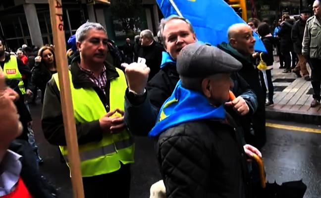 Conflicto entre sindicatos y pensionistas por ocupar la cabecera de la manifestación