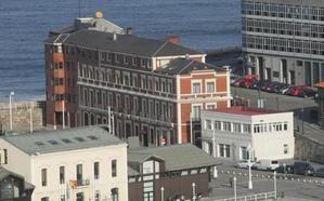 El PP urge cambios en el plan especial de Cimavilla para dar a la sede del puerto uso hotelero