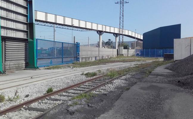 El Puerto de Avilés inicia la colocación de una nueva pantalla de protección ambiental