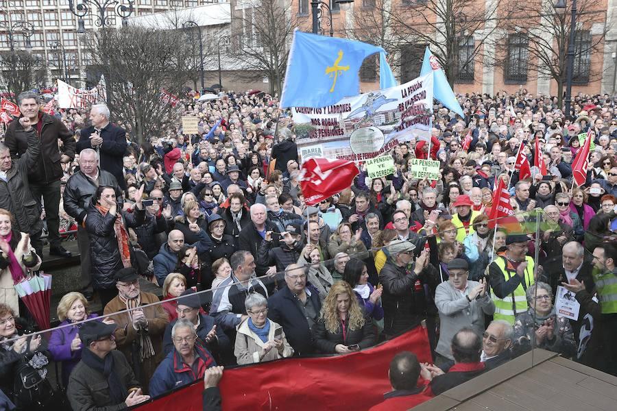 Los pensionistas asturianos se manifiestan en Gijón por una pensión digna