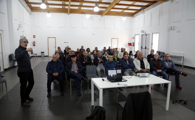 Vecinos de Valdesoto piden facilidades para poder edificar en suelo agrícola