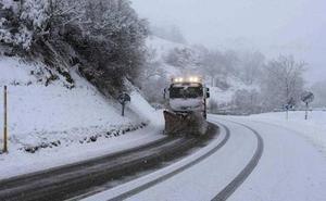 Asturias, en alerta por grandes olas y nevadas