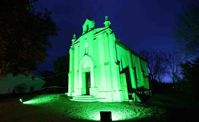 Llanes se tiñe de verde por San Patricio