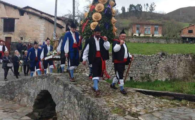 Avín, en Onís, también honra a San José