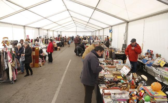Mercado del trueque en El Berrón