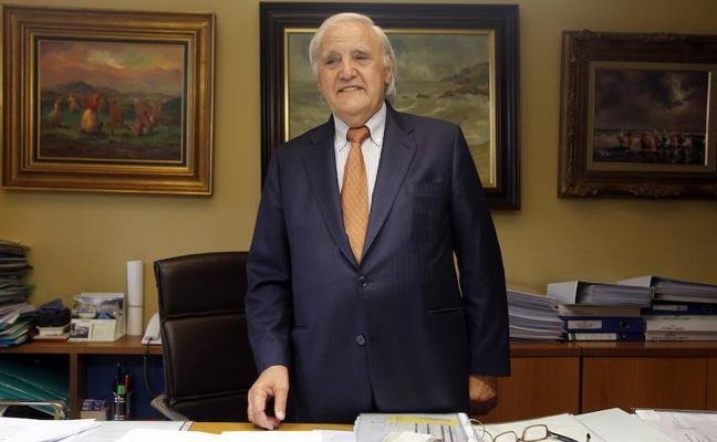 Tomás Casado, premio Adelantado de Avilés de la Cofradía de El Bollo