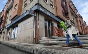 Atraca una sucursal bancaria a punta de pistola en Colloto