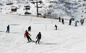 Las estaciones de esquí, cerradas por el mal tiempo