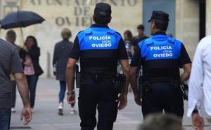 Detienen a dos jóvenes por robar de madrugada en un bar de Oviedo