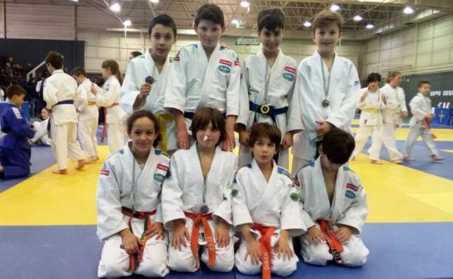 La Magdalena acoge un nuevo éxito del judo avilesino