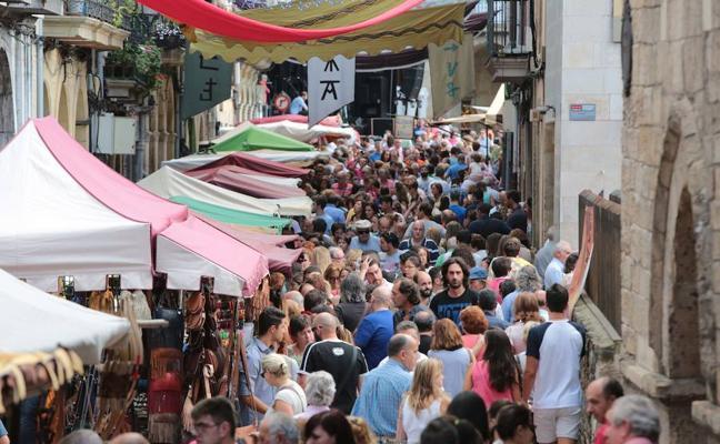 Somos pide un referéndum telemático para decidir las fiestas locales de Avilés
