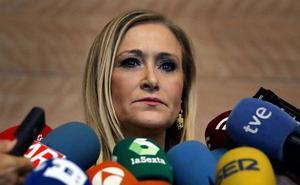 Cristina Cifuentes, acusada de falsificar notas para obtener un máster