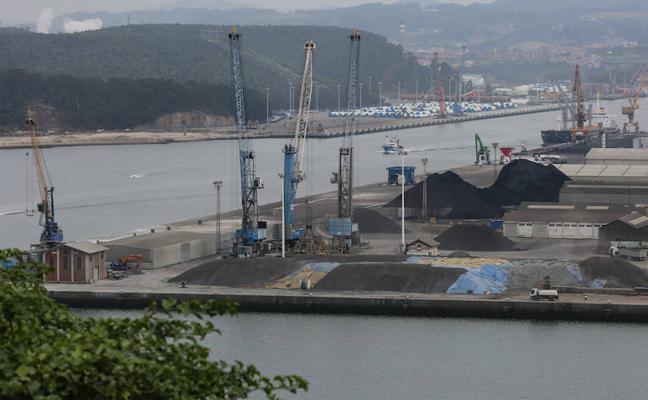 El puerto cierra el pasado año con un beneficio de 3,5 millones de euros