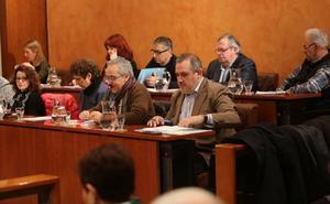 Los partidos de Avilés critican a los tránsfugas y respaldan las liberaciones del Partido Popular