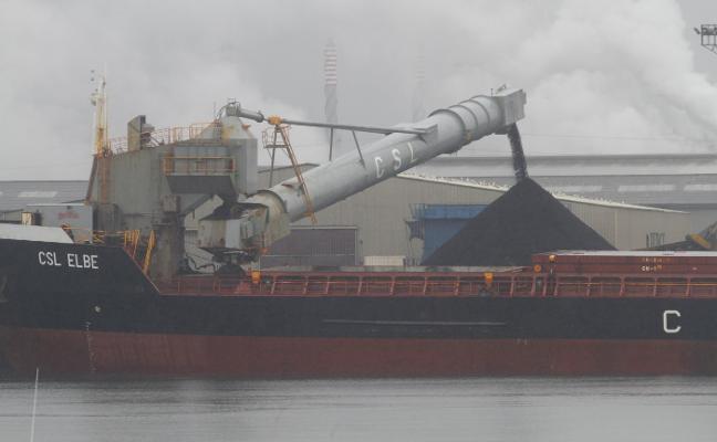 Simulacro de incendio en el puerto de Avilés