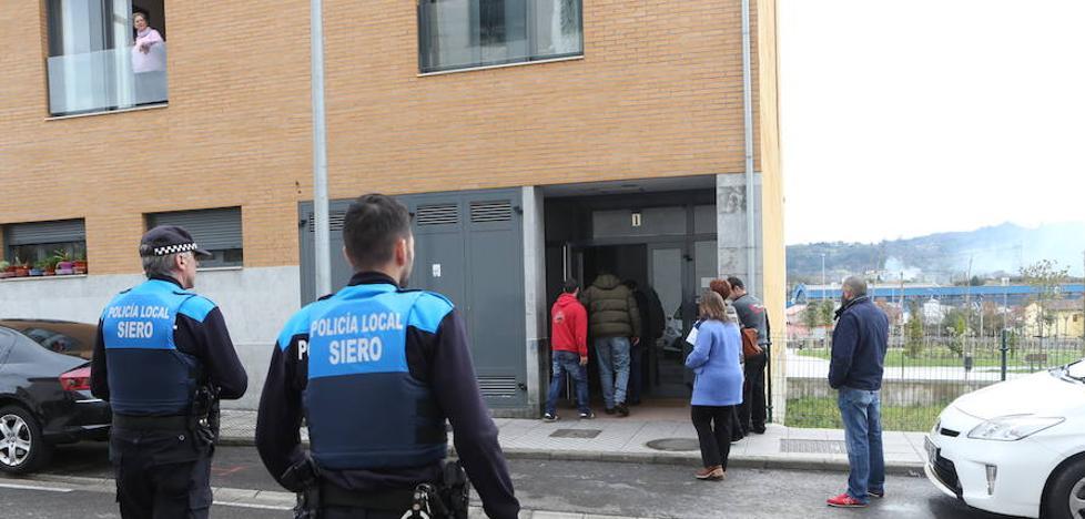 Desalojada por orden judicial la vivienda ocupada de El Berrón