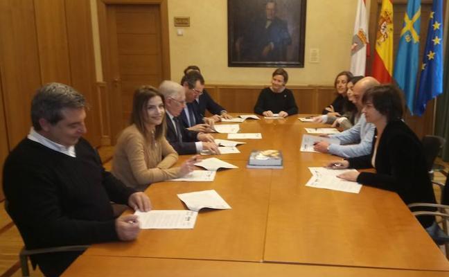Gijón, Principado y Fomento cierran el acuerdo sobre el convenio del plan de vías con 813 millones