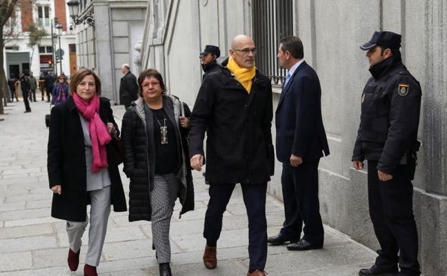 Marta Rovira no acudirá al Supremo y huye de España