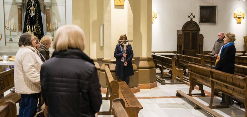 Infiesto abre la Semana Santa con el Vía Crucis de Dolores