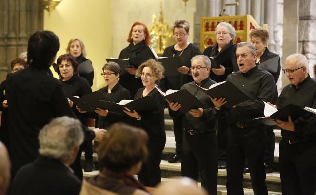 Las parroquias esperan que no llueva para bendecir los ramos y sacar a 'la Borriquilla'