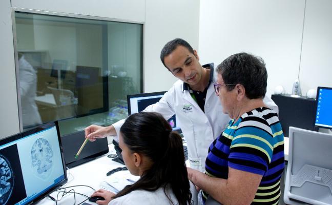 Investigadores españoles abren la puerta a la detección precoz del alzhéimer