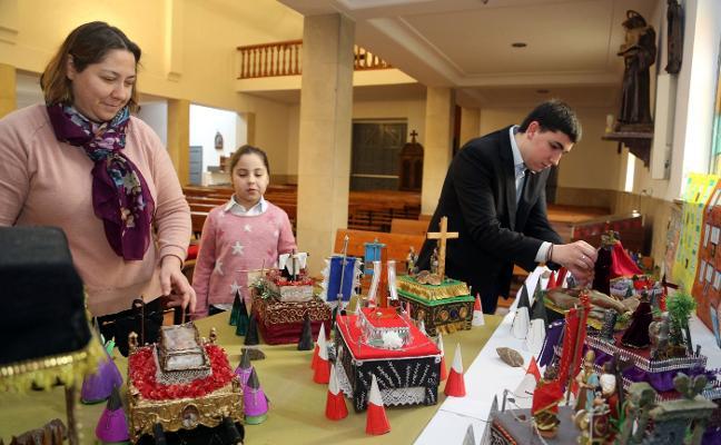 La Iglesia de Lugo organiza una exposición de pasos de Semana Santa en miniatura