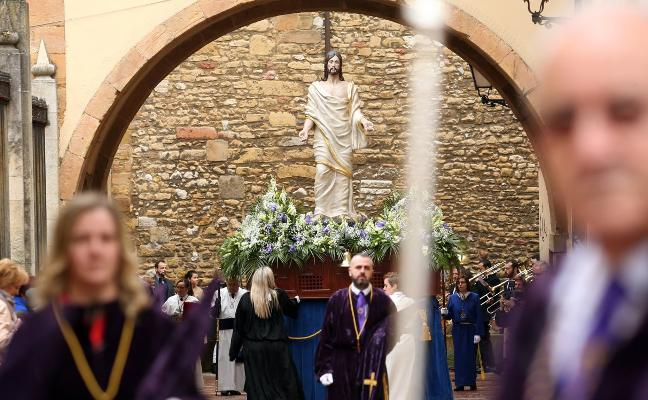 Las cofradías despiden una Semana Santa pasada por agua con vistas a su 25 aniversario