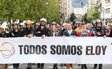 «Todos somos Eloy», claman bomberos de toda España en Oviedo