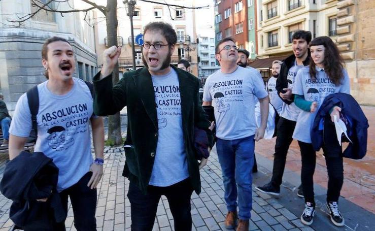Las imágenes del juicio a los diez acusados de okupar La Madreña en Oviedo