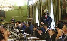 «Ningún concejal ha puesto en duda la honorabilidad o profesionalidad de Eloy Palacio o cualquier otro bombero»