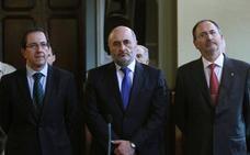 Los síndicos Antonio Arias y Miguel Ángel Menéndez ponen su cargo a disposición de la Junta por desavenencias con Avelino Viejo