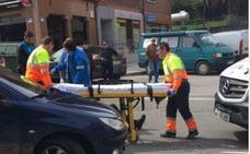 Herido al caerse de su motocicleta en la calle del Carmen de Avilés