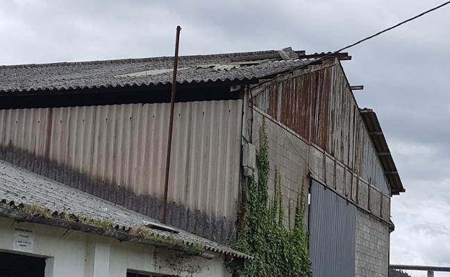 Foro reclama una solución para el edificio de la antigua ganadería Carneado