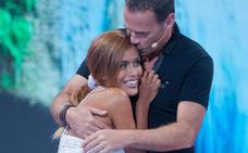 Carlos Lozano se entera por 'Sálvame' de que su novia ha roto con él