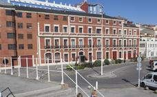 El Ayuntamiento de Gijon desbloqueará el uso como hotel de la antigua sede del Puerto en el Muelle