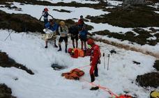 Un participante de una carrera de montaña en Cabrales, herido tras caer por un agujero