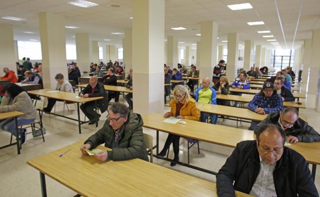 De los 390 inscritos al examen de peón del plan de empleo solo acuden el 59%