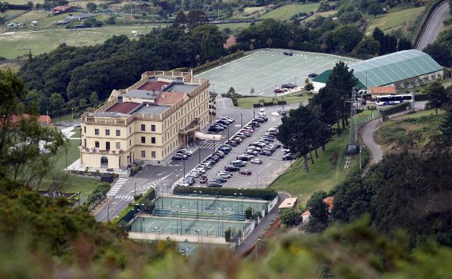 Noventa años del Centro Asturiano de Oviedo