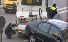 La grúa retiró dieciocho vehículos abandonados en vías públicas