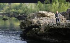 Los hosteleros defienden que la venta legal de salmón evitaría el furtivismo