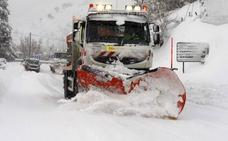 Asturias, en alerta por nevadas y olas de hasta cinco metros
