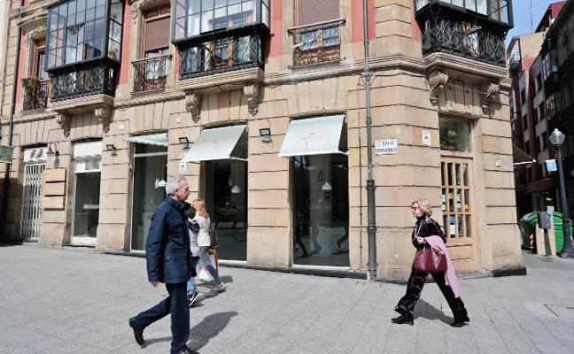 El hostelero Álex López opta al local de Pomme Cuite