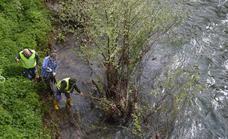 Encuentran un pantalón deportivo cerca de la depuradora de Corias que podría pertenecer al desaparecido de Cangas