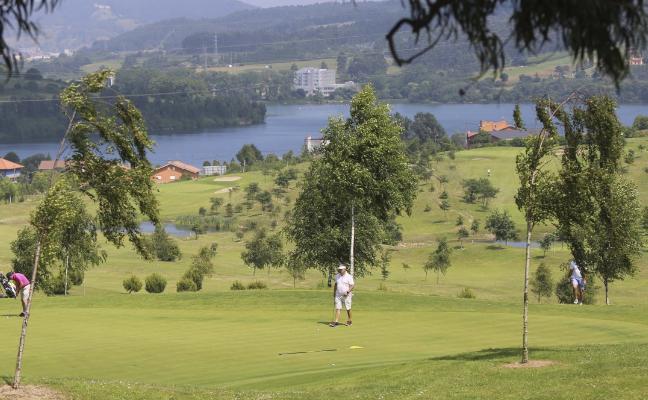 El campo de golf de Los Balagares sale a la venta al quedar desierta la subasta