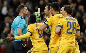 La Juventus, indignada con el nivel del árbitro inglés