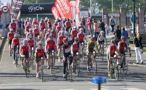 La XXVII Marcha cicloturista Villa de Gijón triplica sus recorridos