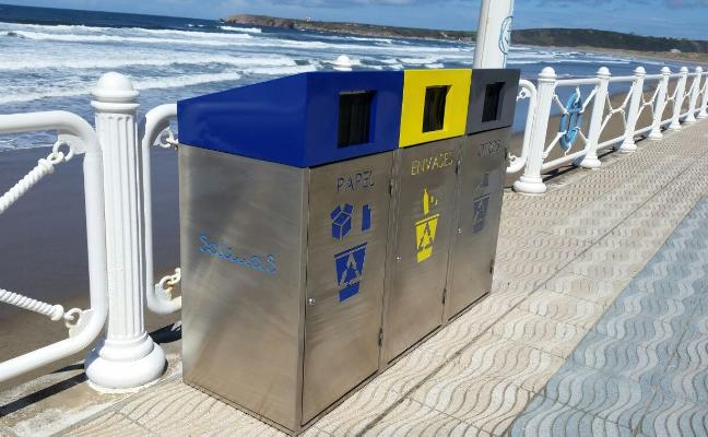 AZSA dona contenedores de reciclaje para la playa de Salinas