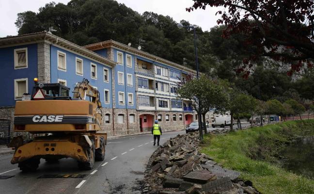 Pueblu pide a Charo Fernández «más empatía» con los vecinos de El Tocote