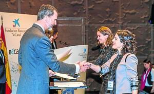 Dos asturianas logran la beca de posgrado de La Caixa